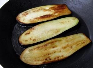 Рулеты из баклажанов с сыром - фото шаг 2