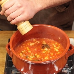 Фасоль тушеная с помидорами - фото шаг 4