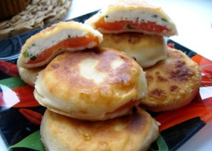 Пирожки с помидорами и творогом - фото шаг 10
