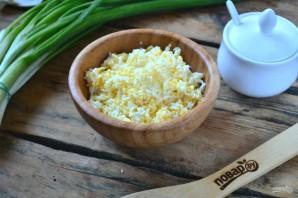 Закуска из лаваша с крабовыми палочками - фото шаг 3