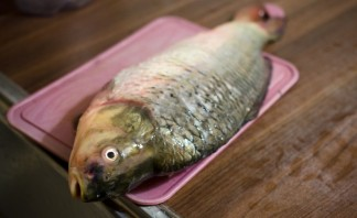 Рыба начиненная кашей - фото шаг 1
