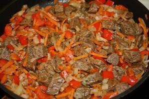 Жаркое из говядины в горшочках - фото шаг 2