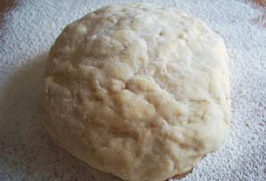Тесто для жареных пирожков на кефире - фото шаг 1