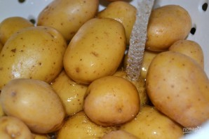 Картофель в духовке целиком - фото шаг 1