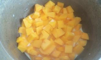 Запеканка из тыквы с яблоками в духовке - фото шаг 2