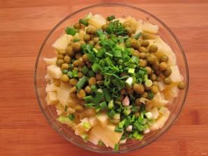 Простой салатик с печенью трески - фото шаг 6