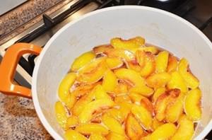 Варенье из персиков без сиропа - фото шаг 8