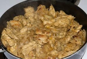 Куриное филе, жаренное на сковороде - фото шаг 5