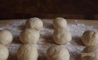 Пирожки с яйцом и зеленым луком - фото шаг 1