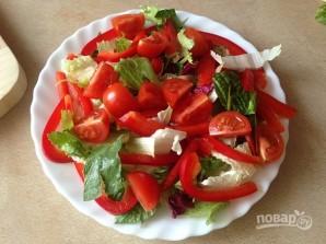 Салат с тунцом и сметанной заправкой - фото шаг 6