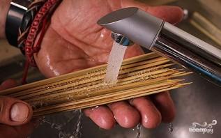 Куриный шашлык на шпажках - фото шаг 4