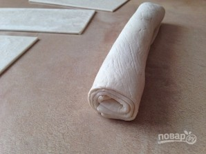 Чебуреки из слоеного теста - фото шаг 7