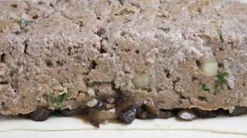 Мясо, запеченное в тесте - фото шаг 6