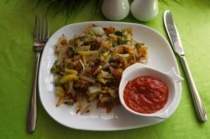 Жареная картошка с зеленью - фото шаг 7