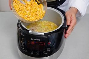 Суп с копченостями в мультиварке - фото шаг 4