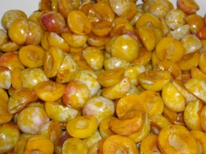 Варенье из желтых слив - фото шаг 2