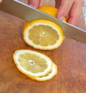 Бутерброды со шпротами и лимоном - фото шаг 2
