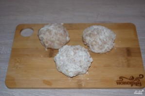 Куриные тефтели в сметанном соусе - фото шаг 5