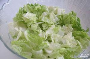 Салат с капустой и креветками - фото шаг 2