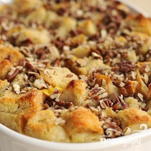 Хлебный пудинг с персиками и орехами - фото шаг 6