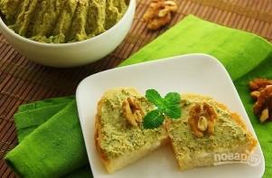 Закуска из грецких орехов с зеленью - фото шаг 4