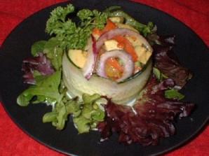 Крабовый салат с жареным перцем и авокадо - фото шаг 6