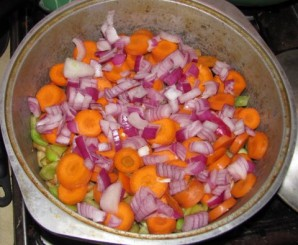 Овощное рагу в кастрюле - фото шаг 10
