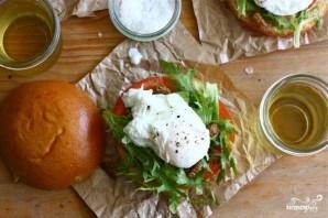 Гамбургеры со свининой, яйцами и помидором - фото шаг 4