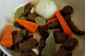 Тушеная телятина с грибами - фото шаг 3