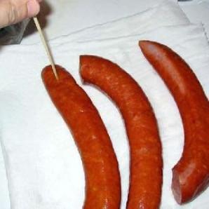 Жареная колбаса с картофелем  - фото шаг 2