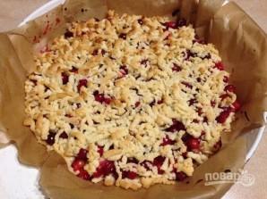 Тертый пирог с клюквой - фото шаг 7