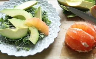 Салат крабовый с апельсинами - фото шаг 3