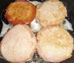 Колбаса в кляре с сыром - фото шаг 4