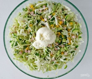 Салат с ветчиной и свежим огурцом - фото шаг 3