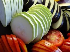 Рататуй с мясом в мультиварке - фото шаг 1