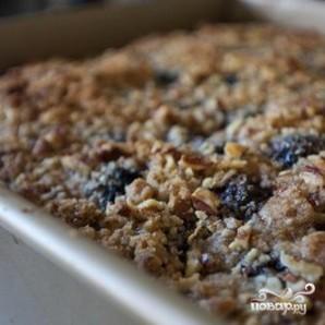 Ежевичный пирог с орехами - фото шаг 7