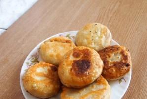 Пирожки с брынзой и зеленью - фото шаг 5