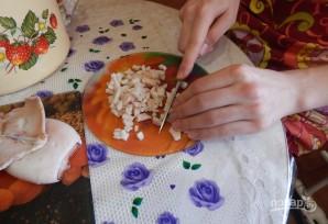 Салат царский с красной икрой - фото шаг 2
