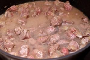 Гуляш из говядины с картошкой - фото шаг 5