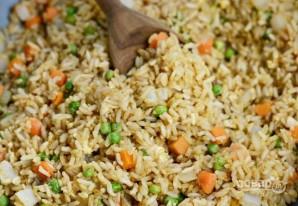 Коричневый рис с яйцом и овощами - фото шаг 4
