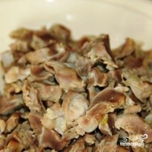 Салат из куриных желудков - фото шаг 1