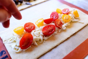 Слоеная пицца с грибами - фото шаг 9