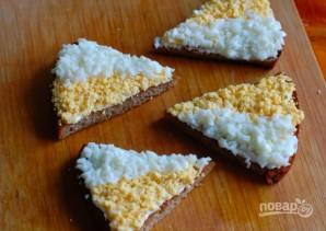 Гренки из черного хлеба с яйцом - фото шаг 4