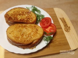 Теплый сэндвич с сыром и помидором - фото шаг 10