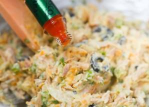 Салат с консервированным тунцом - фото шаг 4