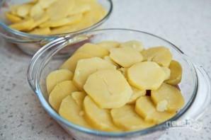 Картошка под шубой в духовке со свининой - фото шаг 6