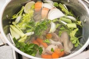 Вкусный куриный суп с лапшой - фото шаг 3