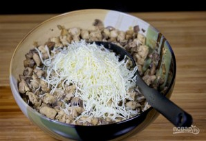 Ракушки с курицей и грибами - фото шаг 10