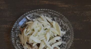 Салат Мужской каприз с говядиной и сыром - фото шаг 5