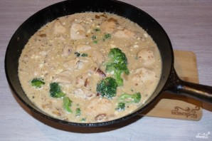 Индейка с брокколи в сливочном соусе - фото шаг 6